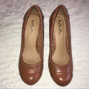 Mia Brown Leather Cutout Heels Size 6.5